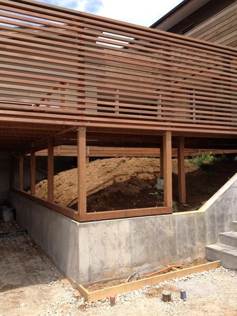「丘に建つ回遊ウッドデッキの家」web内覧-外観編-_f0170331_2064874.jpg