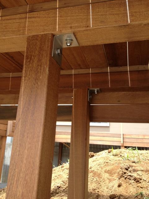 「丘に建つ回遊ウッドデッキの家」web内覧-外観編-_f0170331_2072183.jpg