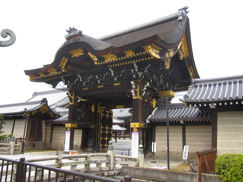 堂々たる構えの【西本願寺】には歴史がある_e0237645_23382815.jpg