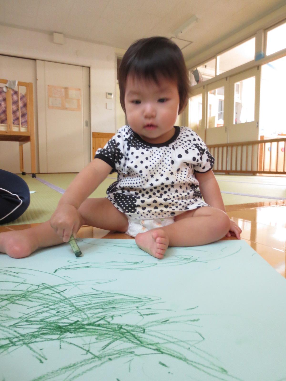 初めてのお絵描き★☆_a0180348_1710572.jpg