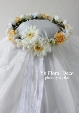 後ろにポイントのある花冠 & お揃いのリストレット_b0113510_9413.jpg