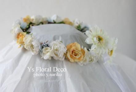 後ろにポイントのある花冠 & お揃いのリストレット_b0113510_94746.jpg