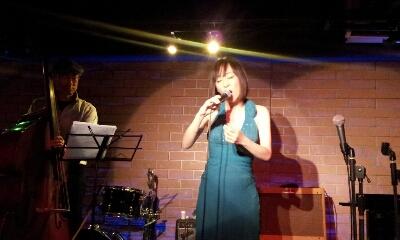 アジアンカフェ楽しく終了しました。7月5日(金)は東京倶楽部 本郷三丁目に出演します。_f0178313_116522.jpg