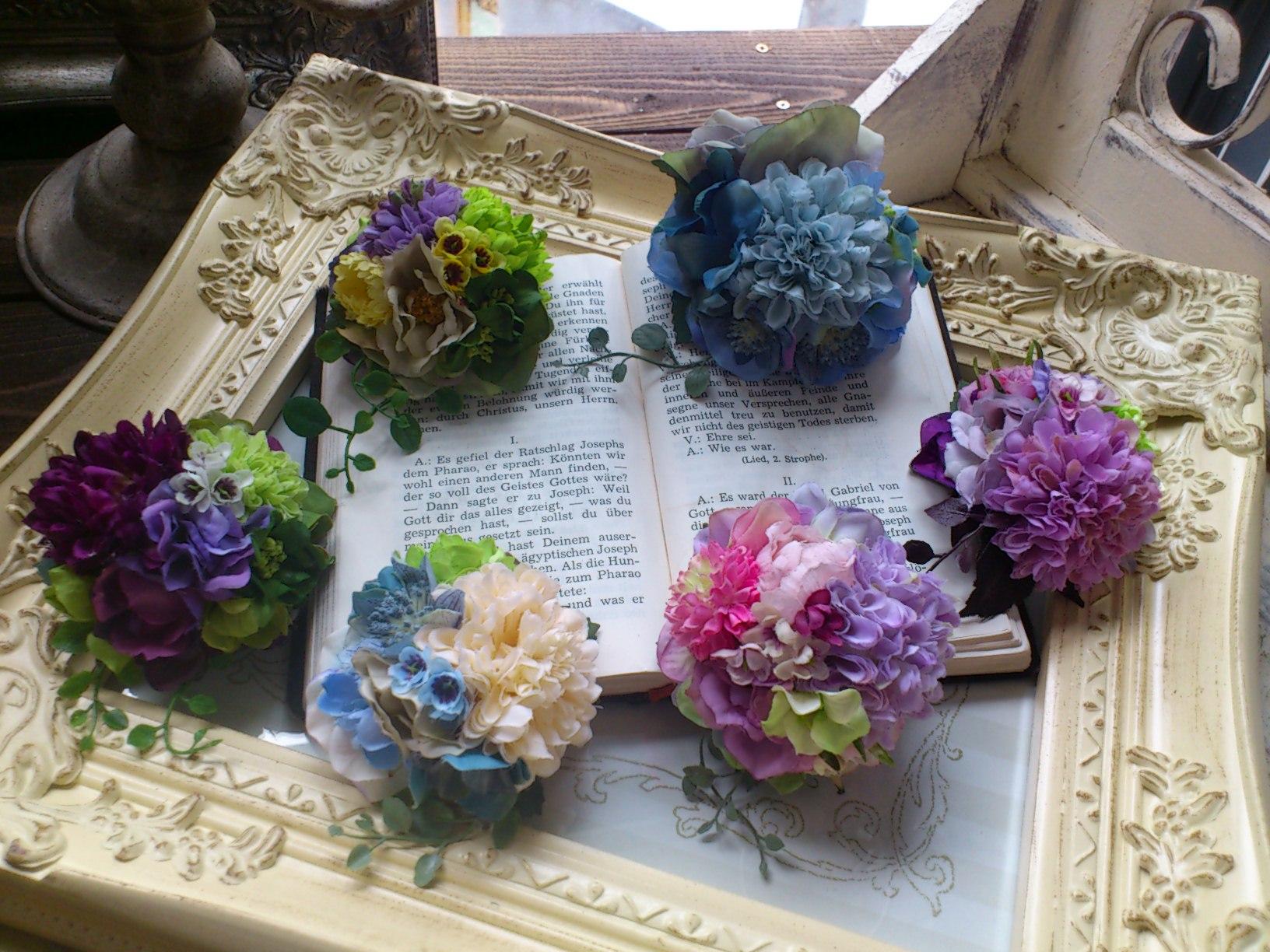 お花いっぱいコサージュ_e0128024_138214.jpg