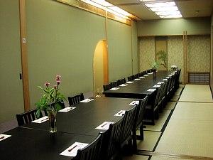 宴会は椅子席でゆったりと!_c0141652_193124.jpg