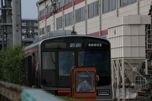 阪急正雀レポ 堺筋線66系 66602 アルナ車両から出場_d0202264_1955416.jpg