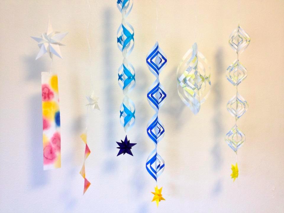 折り紙を折って、切って、貼る : 七夕飾りの作り方 ちょうちん : 七夕