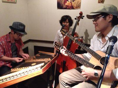 ダルシマー&ギター・ブズーキ&チェロ_d0225380_23002.jpg