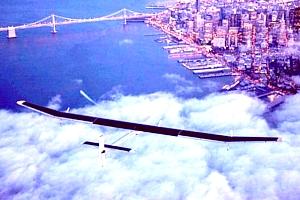 全米横断に挑戦した世界初のソーラーパワー飛行機、Solar Impulseがニューヨークに無事到着!!!_b0007805_2094423.jpg