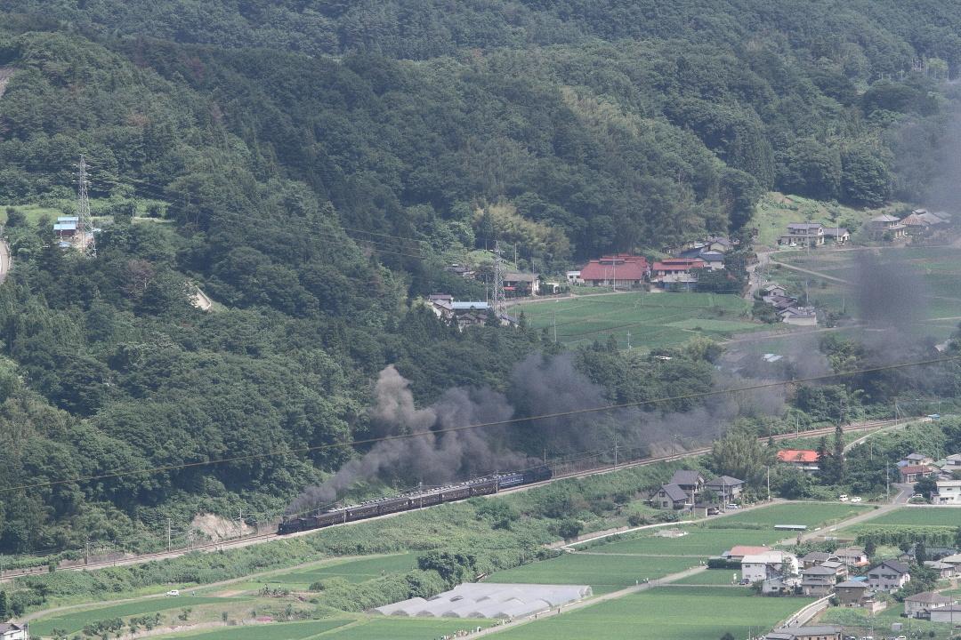 絡み合う煙を残して汽車は北へ南へ - 2013年・上越線 -  _b0190710_21572695.jpg