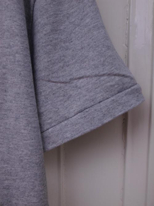 なんかいいシンプルなTシャツ_a0113127_8513426.jpg