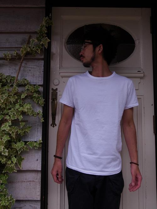 なんかいいシンプルなTシャツ_a0113127_8551668.jpg