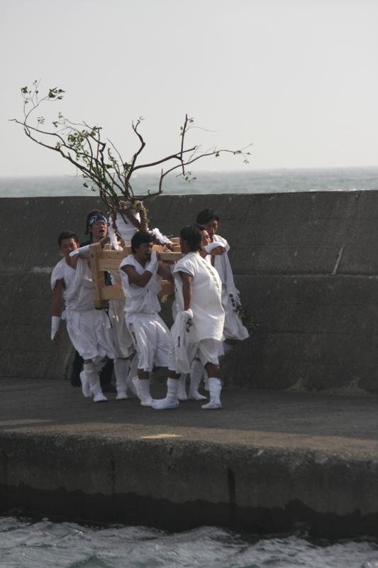 秋谷神明社御祭禮 2013 榊-2_f0156448_19323553.jpg