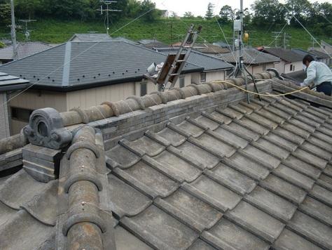 屋根瓦 ~ 2階の棟完成_d0165368_8192099.jpg