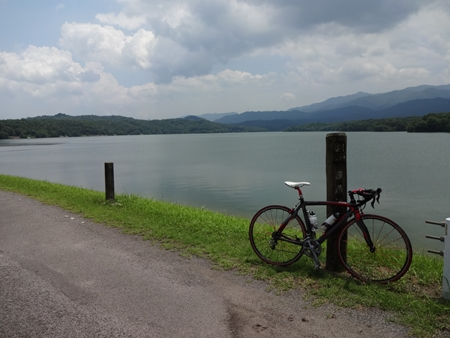 猪ノ鼻峠を越えて香川へ_e0201281_22462383.jpg