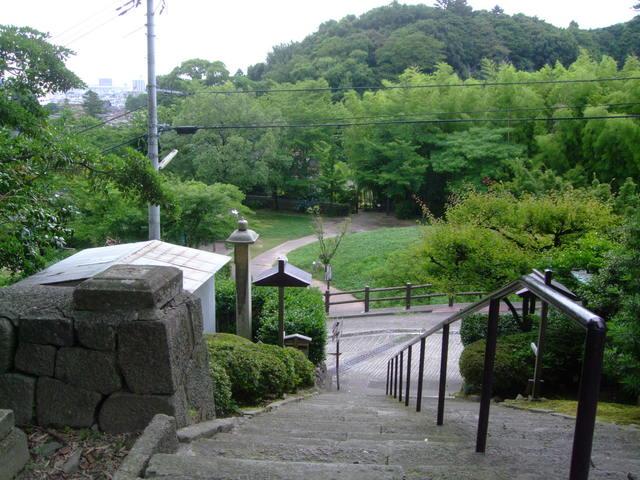 第4話 ひがし茶屋街から宝泉寺への散歩道と a.k.a の創作料理を楽しむ_f0100593_1044481.jpg