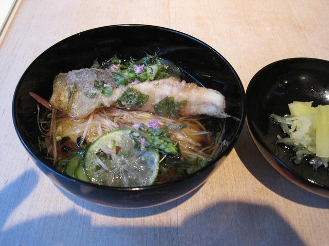 第4話 ひがし茶屋街から宝泉寺への散歩道と a.k.a の創作料理を楽しむ_f0100593_11205034.jpg