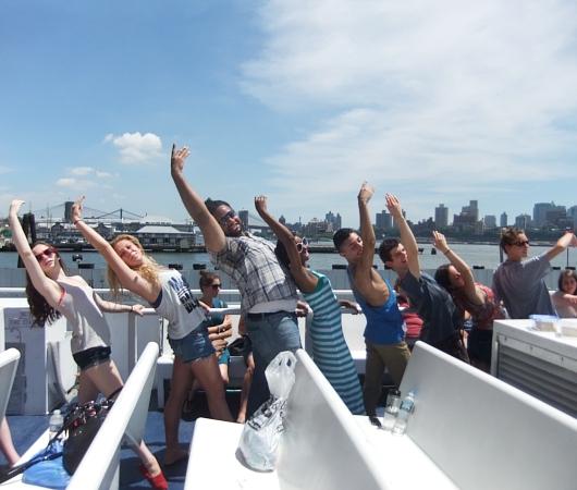 夏のニューヨークのオススメ・スポット、ガバナー島へ_b0007805_2002571.jpg