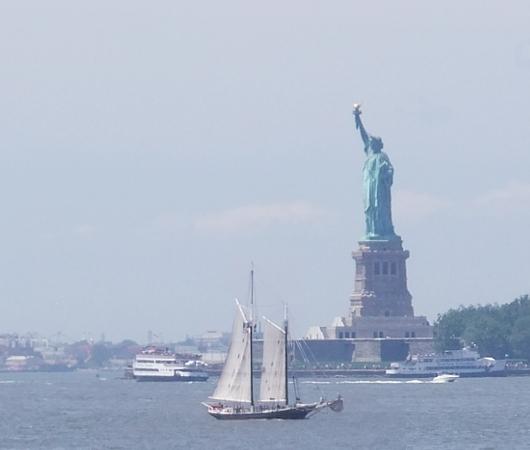 夏のニューヨークのオススメ・スポット、ガバナー島へ_b0007805_2004696.jpg