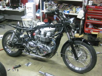 ボンネビルT100レーサー 製作中!_e0325011_19242558.jpg
