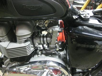ボンネビルT100レーサー 製作中!_e0325011_1936780.jpg