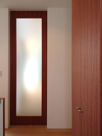 「丘に建つ回遊ウッドデッキの家」web内覧-階段室編-_f0170331_19355164.jpg