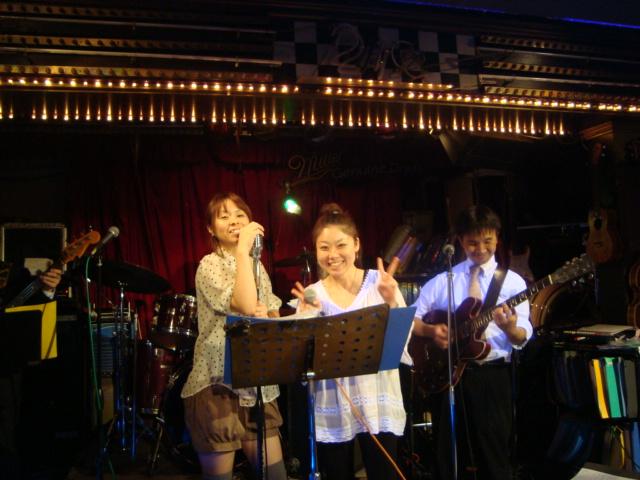 西新宿「ライブハウス 新宿21世紀」へ行く。_f0232060_1442967.jpg