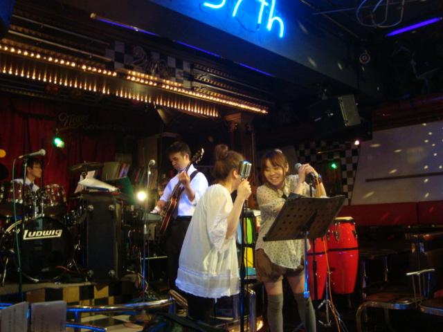 西新宿「ライブハウス 新宿21世紀」へ行く。_f0232060_1544246.jpg