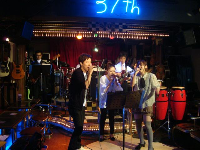 西新宿「ライブハウス 新宿21世紀」へ行く。_f0232060_23758.jpg