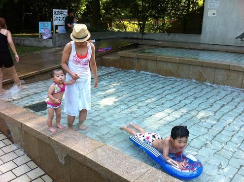 噴水公園😊_a0210776_23184095.jpg