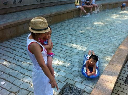 噴水公園😊_a0210776_23191381.jpg