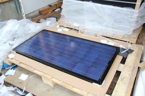 ゼロエネルギーハウス松長布:11kW太陽光発電設置3_e0054299_15351721.jpg