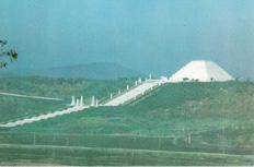 1993年に発掘された檀君陵。あの蓮池薫さんの見解は?_b0235153_1537171.jpg