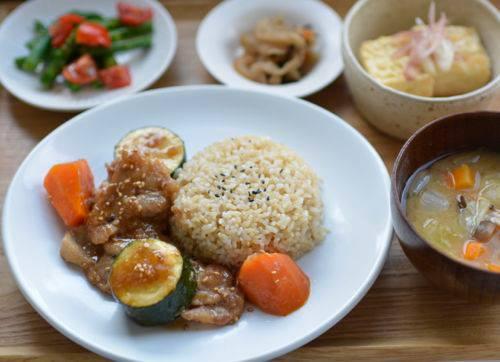 夜ごはん*豚肉とお野菜の玄米甘酒生姜焼き_e0140171_23241566.jpg
