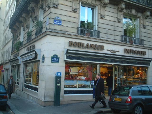 【新規オープン】街角のパン屋(サンジェルマン界隈)PARIS_a0014299_22132632.jpg
