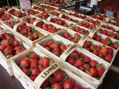 Suedbahnhof Markt@リンツ(市場に行く)_f0200015_16465491.jpg