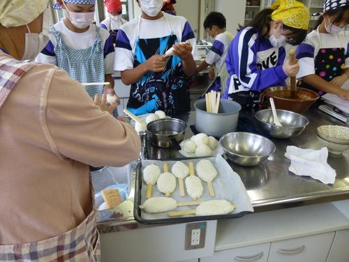 中学校の調理実習に参加してきました!_c0238069_1133412.jpg