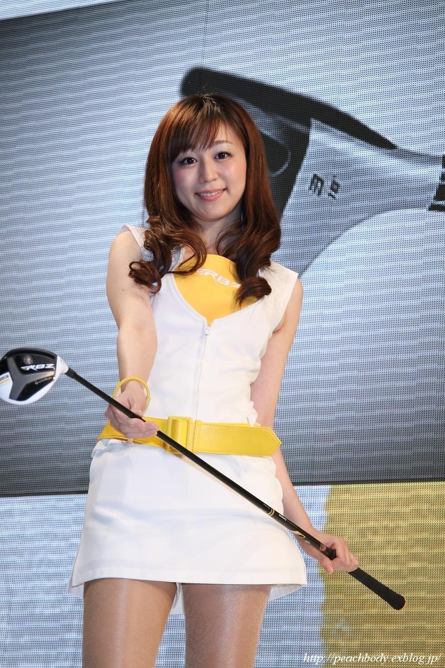 葉里真央 さん(テーラーメイド ゴルフ株式会社 ブース)_c0215885_1954366.jpg