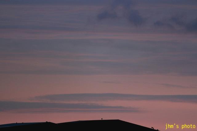 変な雲、そしてきれいな夕陽_a0158797_23234672.jpg