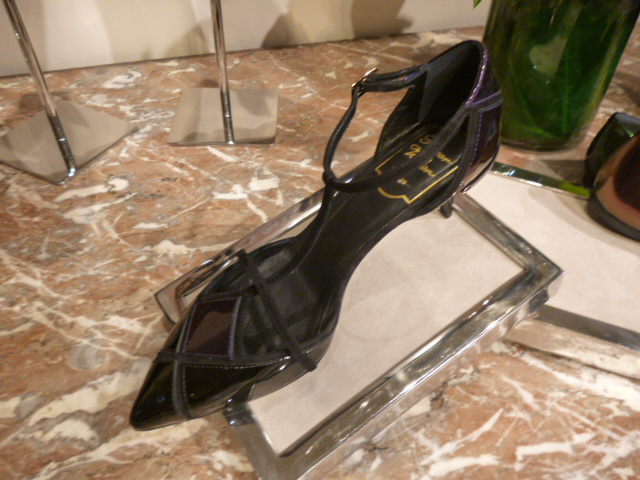 Roger Vivier Hong Kong  Shop  Report_b0210699_094873.jpg