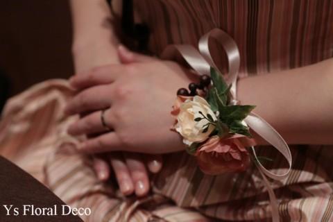 ニュアンスピンクのドレスにあわせるフラワーアクセサリー_b0113510_13164361.jpg