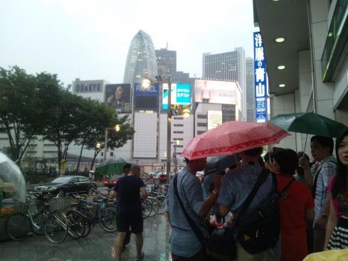 ついに中国客が戻って来た!?(ツアーバス路駐台数調査 2013年7月) _b0235153_912471.jpg
