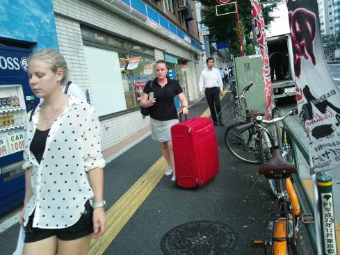 ついに中国客が戻って来た!?(ツアーバス路駐台数調査 2013年7月) _b0235153_945913.jpg