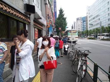 ついに中国客が戻って来た!?(ツアーバス路駐台数調査 2013年7月) _b0235153_973083.jpg