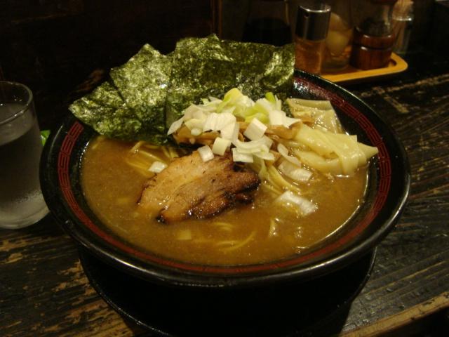 西新宿「ラーメン 凪 煮干王」へ行く。_f0232060_025183.jpg