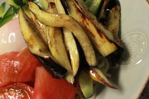 茄子と冷麺_e0201009_084478.jpg