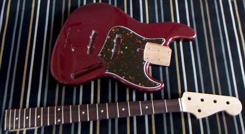 「Royal Ruby Red Metaの5弦 Standard-J」の塗装完了!_e0053731_18254460.jpg