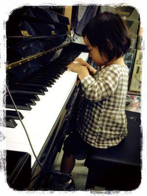 めざせピアニスト?_e0258469_16472082.jpg