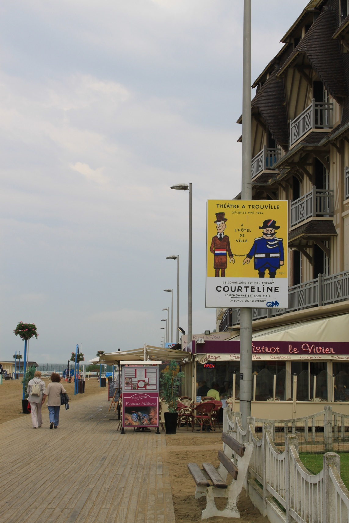 Deauville and Trouville_a0137487_3515774.jpg