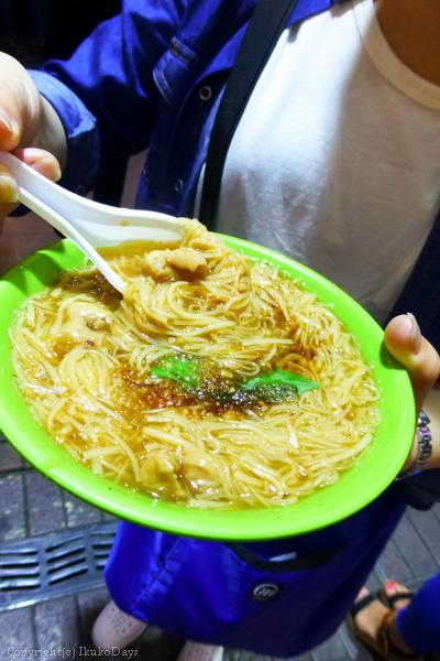 台湾旅行記 : 『阿宗麺線(アーゾンミエンシエン)』 西門_d0114093_232678.jpg